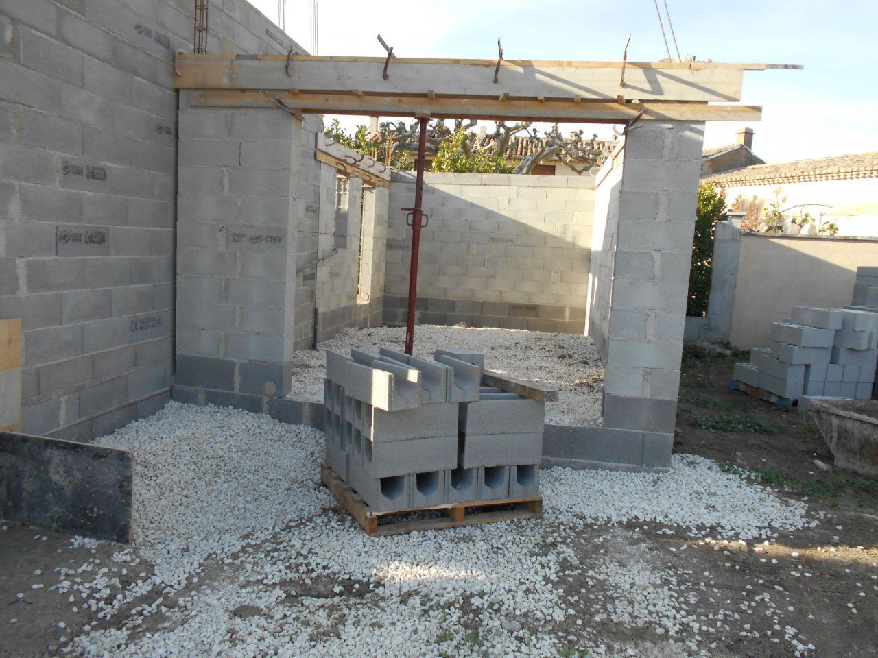 les murs montent fin du rdc choix du po le granul. Black Bedroom Furniture Sets. Home Design Ideas