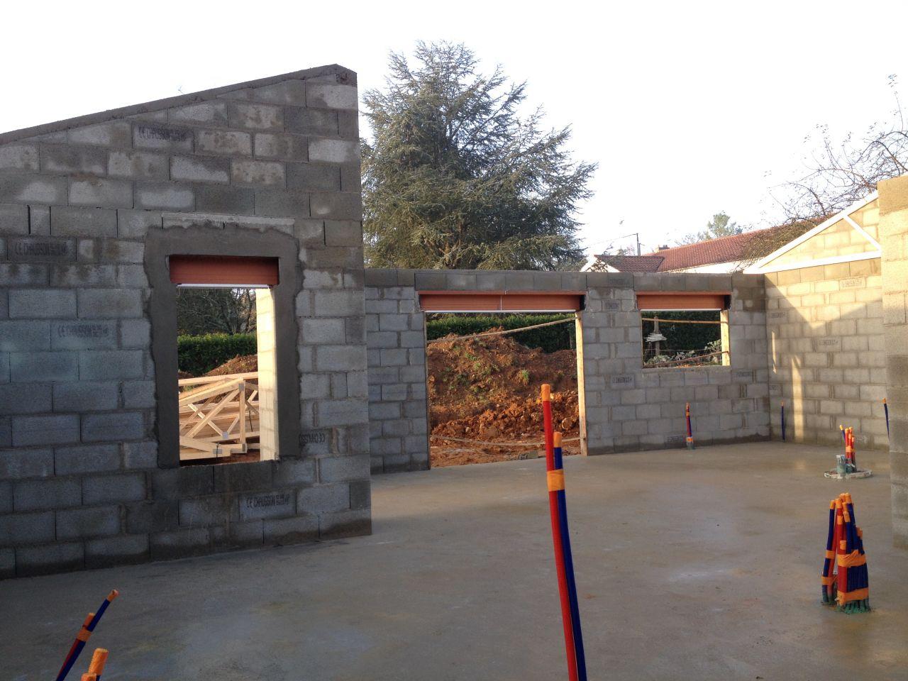 de gauche à droite: fenêtre ch1, baie 270 et fenêtre cuisine 180
