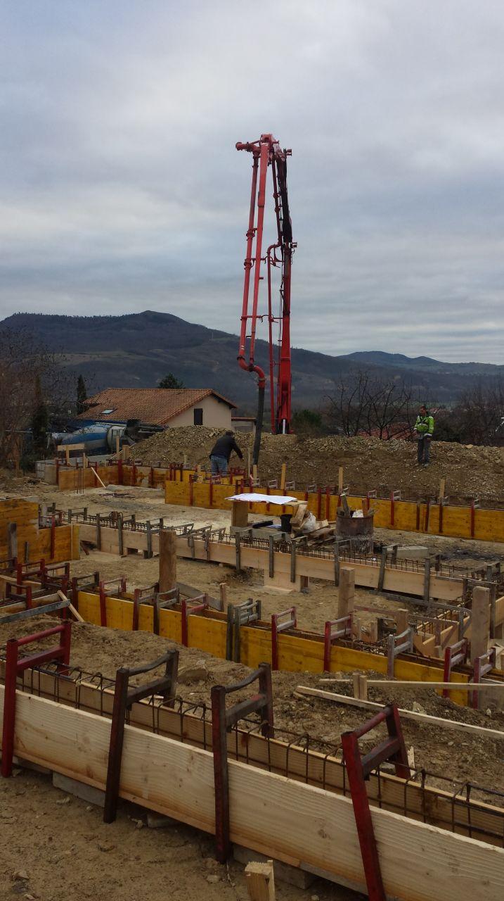 Pompe pour couler le béton des fondations