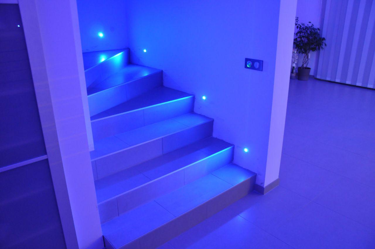 Du changement dans le salon du bleu du bleu du for Deco carrelage sarreguemines