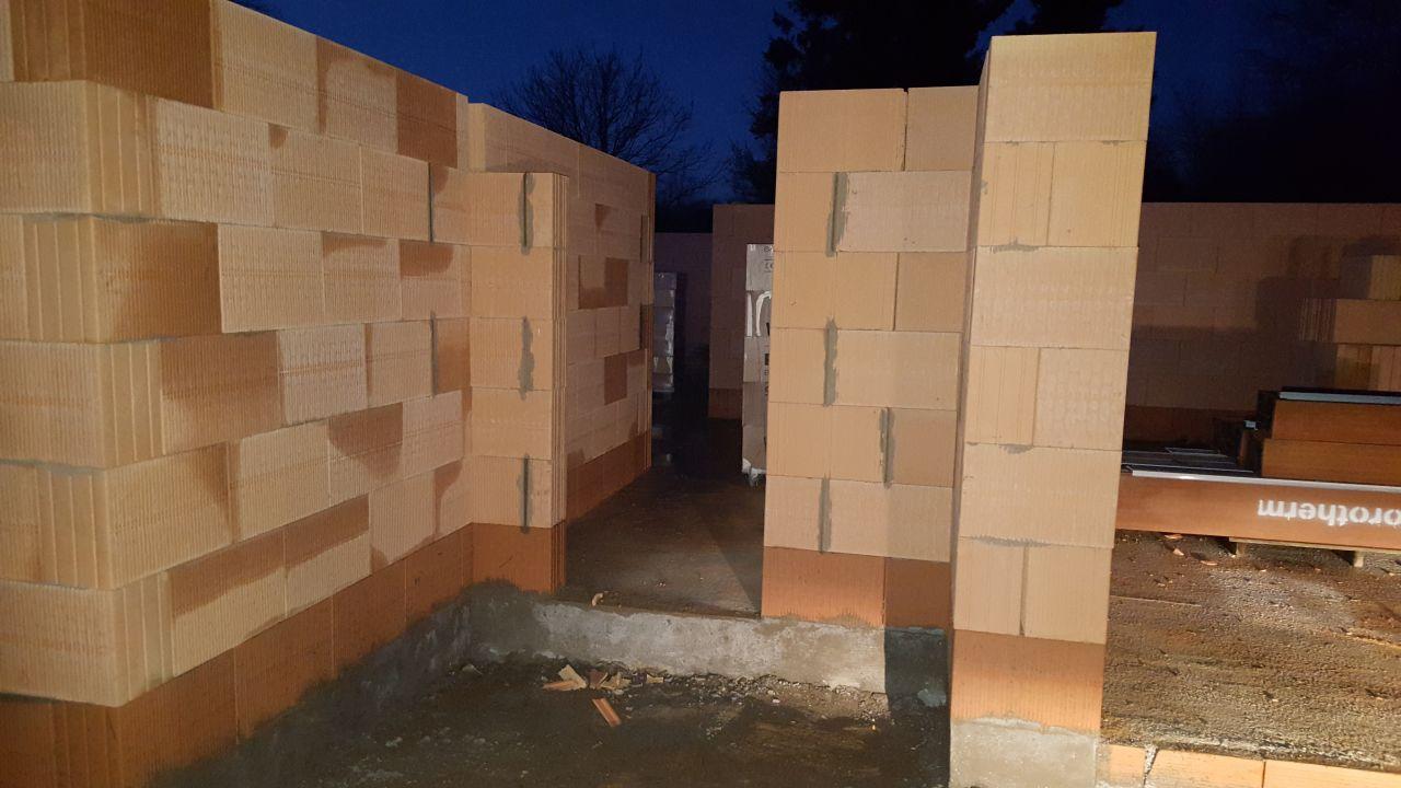 l vation des murs suite fin d 39 l vation des murs du rdc etoutteville seine maritime. Black Bedroom Furniture Sets. Home Design Ideas