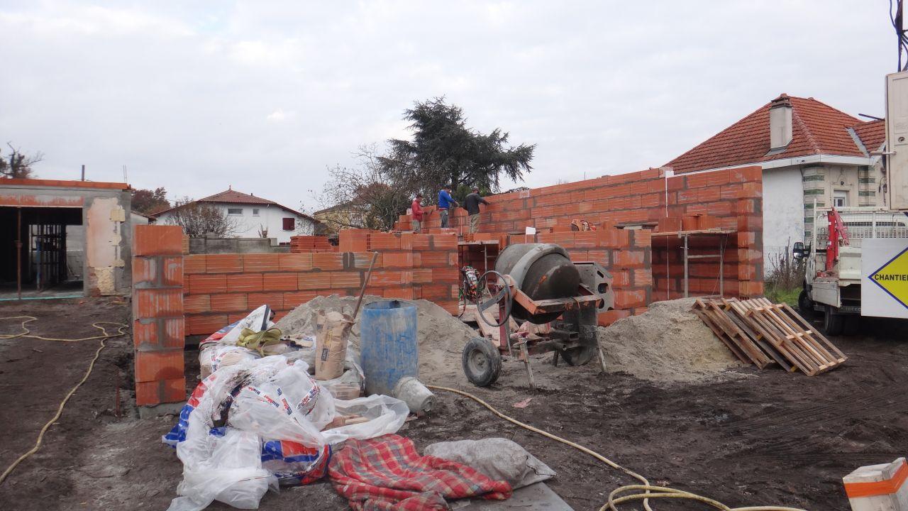 Elevation des murs du RDC - Jour 2 apres midi