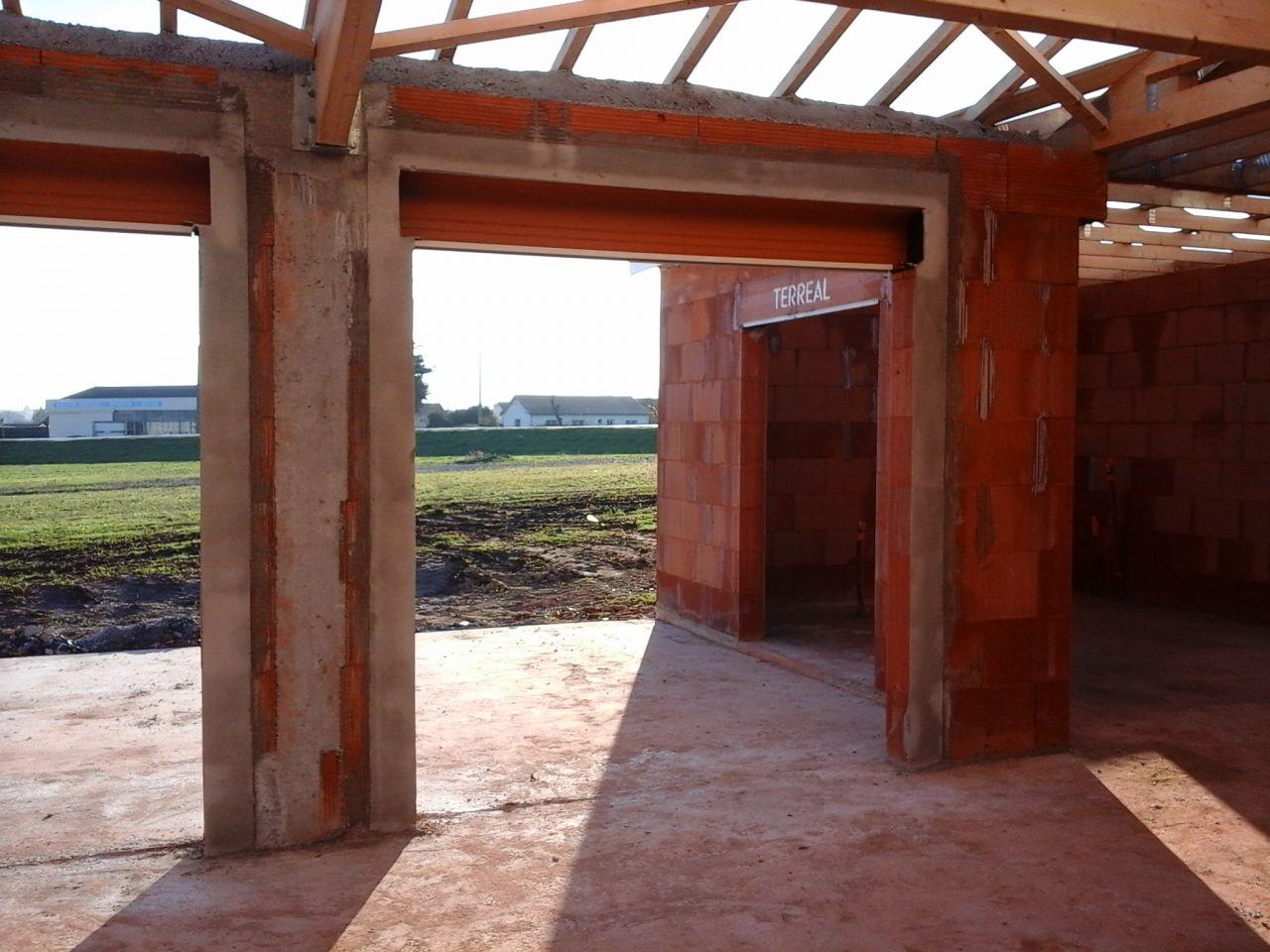 Réalisation cadre ciment des ouvertures.