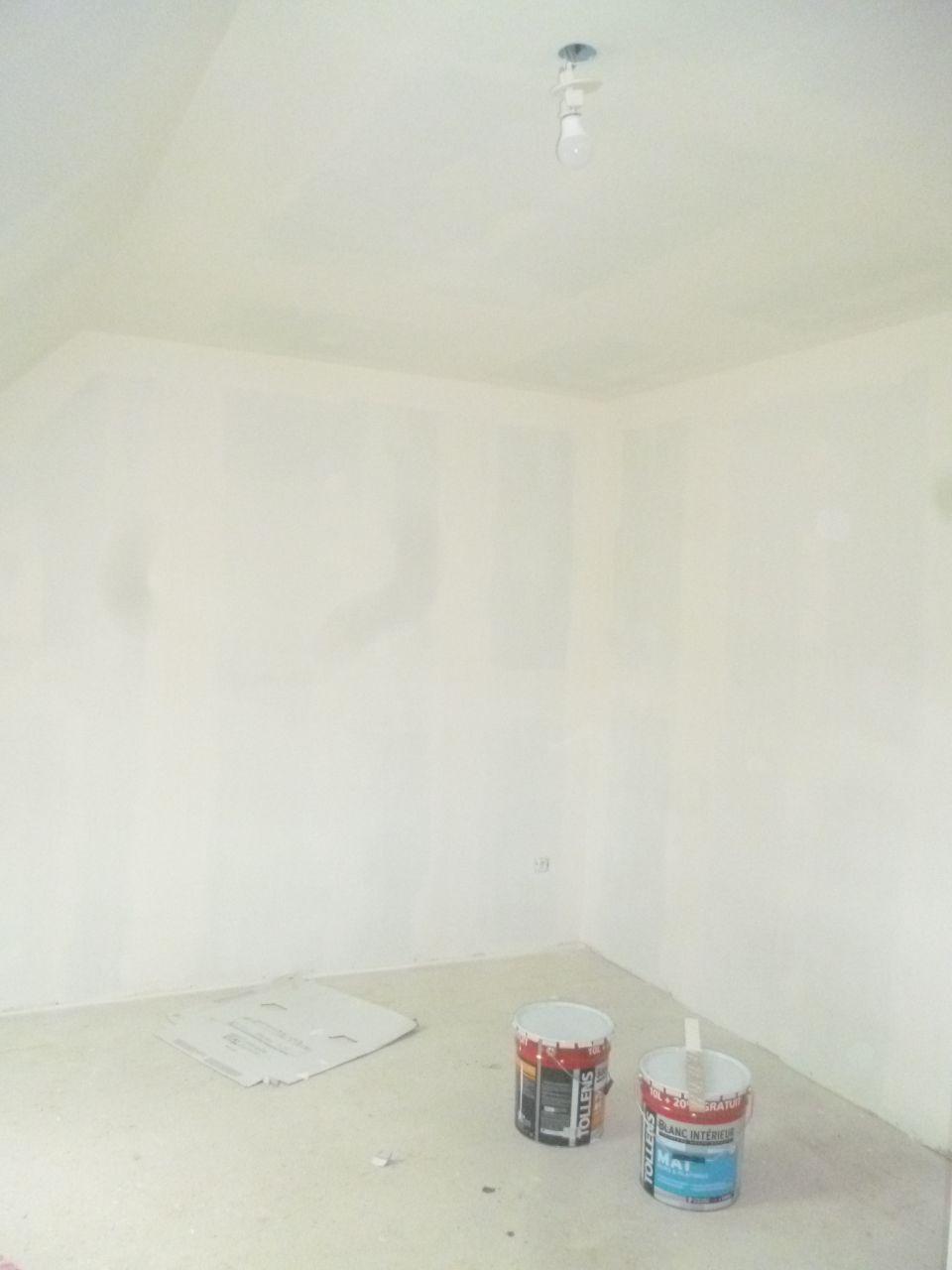 photo sous couche chambre filles peinture seine et marne 77. Black Bedroom Furniture Sets. Home Design Ideas