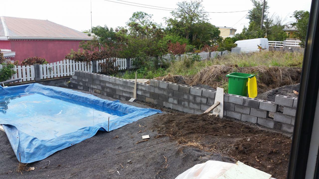 Fondations maison r 1 mi hauteur dans l 39 ouest le for Construction piscine 974