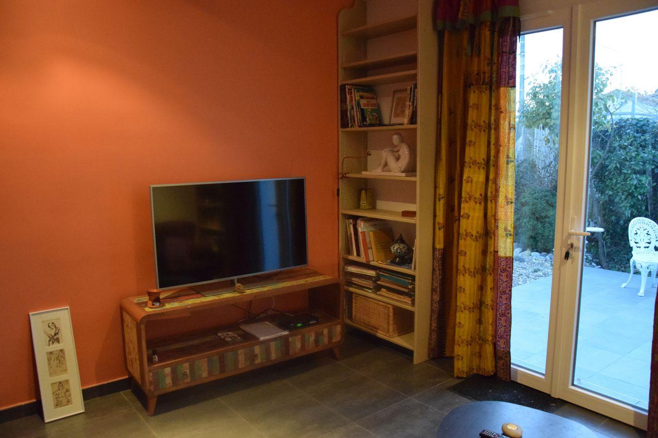 vues de l 39 int rieur d co en cours nouveaux meubles avant l 39 emm nagement d finitif le. Black Bedroom Furniture Sets. Home Design Ideas