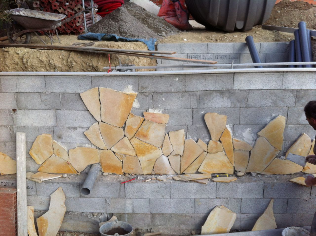 Habillage mur en pierre de bavière