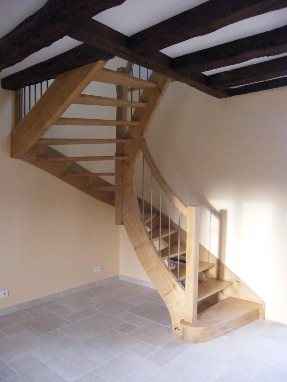 escalier bois en place dry loiret. Black Bedroom Furniture Sets. Home Design Ideas