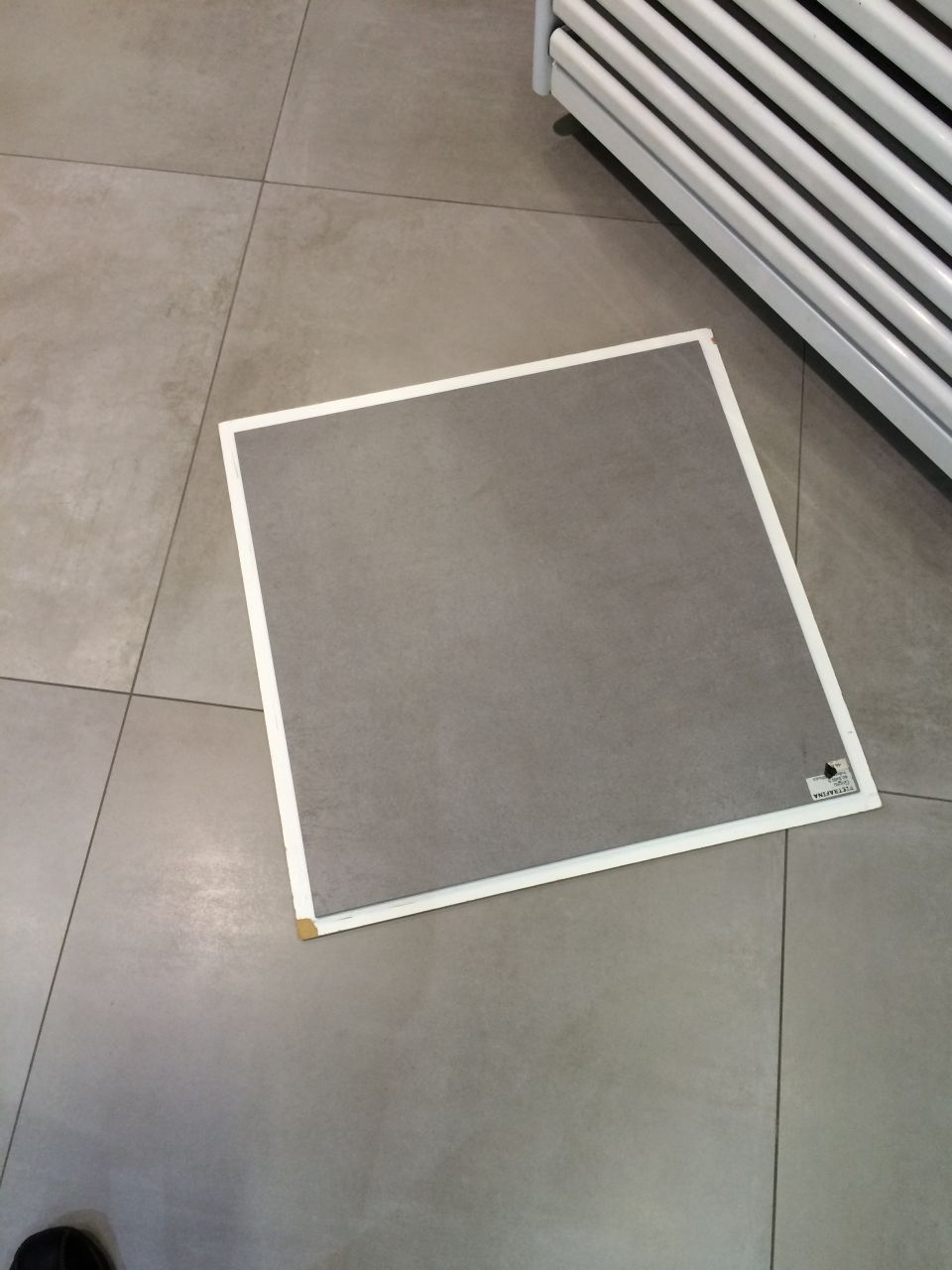Carrelage non rectifie for Pose carrelage sans joint