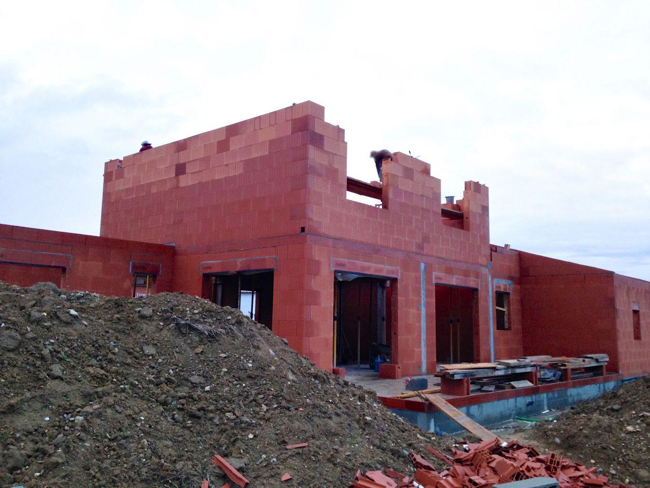 Elevation des murs de l'étage