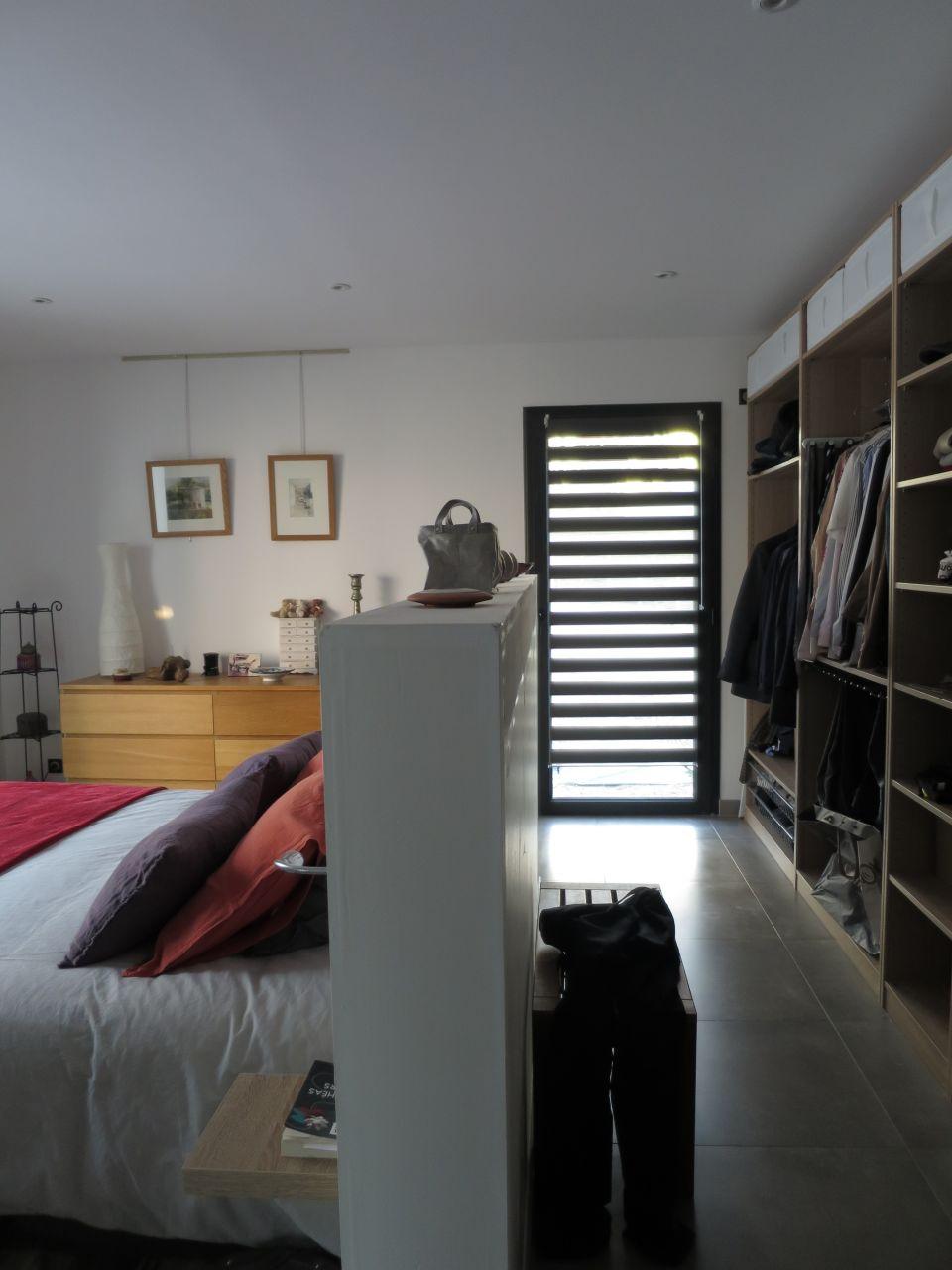 photo pose du store c t dressing d coration chambre d. Black Bedroom Furniture Sets. Home Design Ideas