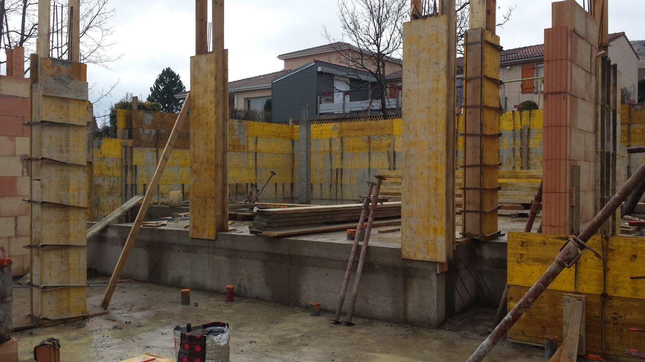 Coffrage poteaux et murs en limite