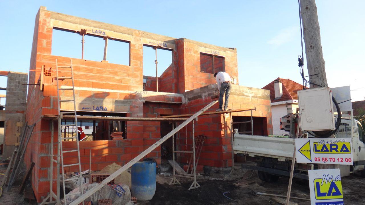 5ieme jour de l'elevation de l'etage - creation de la poutre de la pergola