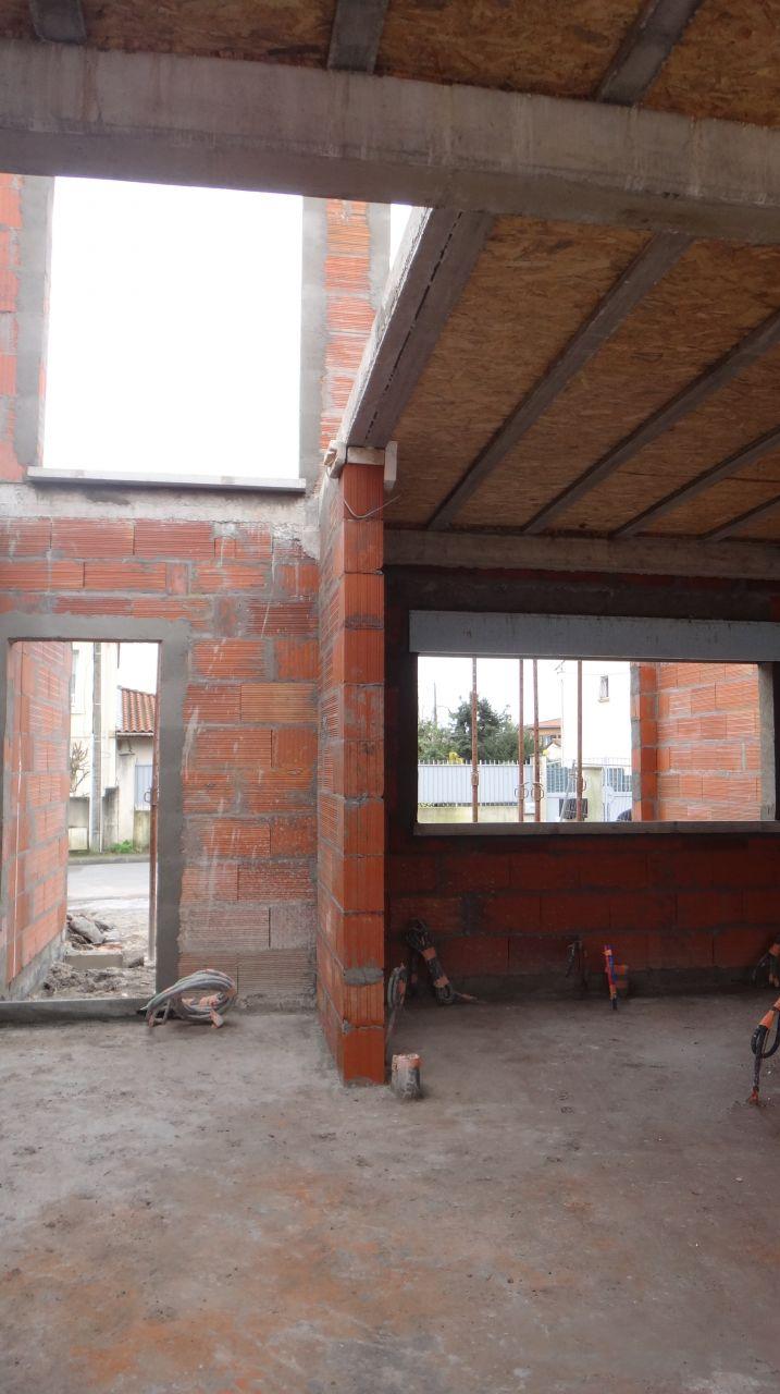 Mur de séparation cuisine - hall d'entree