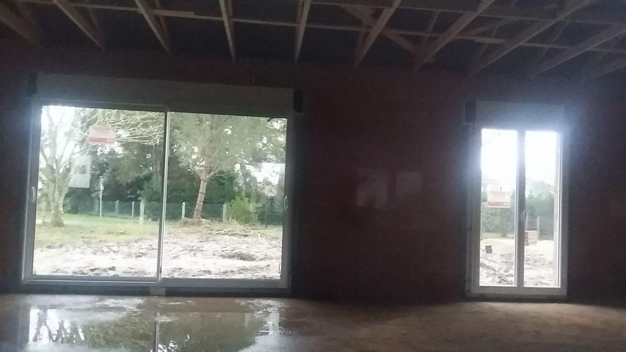 Intérieur - Baie vitrée salle à manger / Porte fenêtre ch enfant