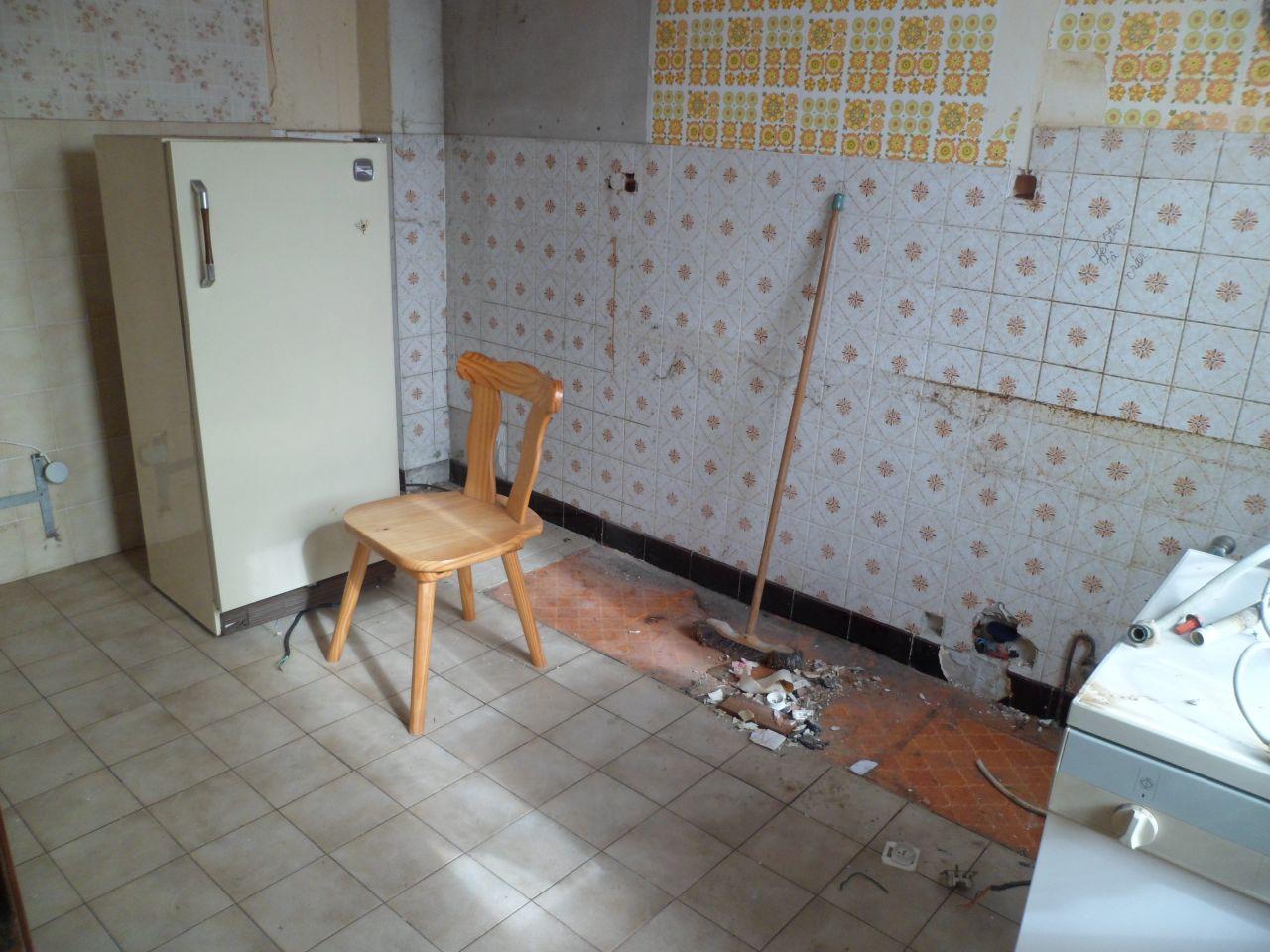 Meubles retirés dans la cuisine, future chambre