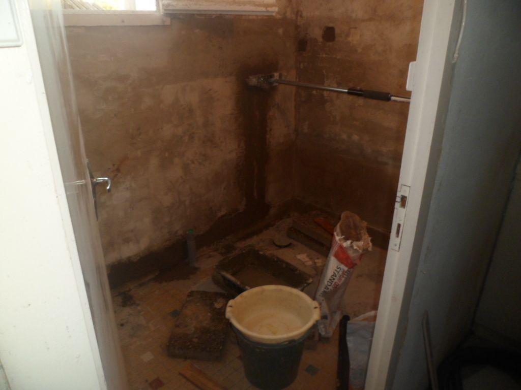 Salle de bains en cours de rénovation