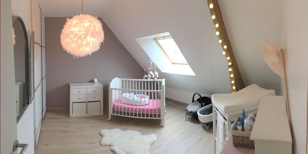 Chambre d'enfant 15m2 teintes murales blanches - Loire Atlantique (44) - février 2016