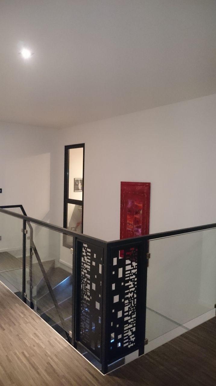 13 id es de garde corps pour habiller vos escaliers mezzanines et vides sur s jour les. Black Bedroom Furniture Sets. Home Design Ideas