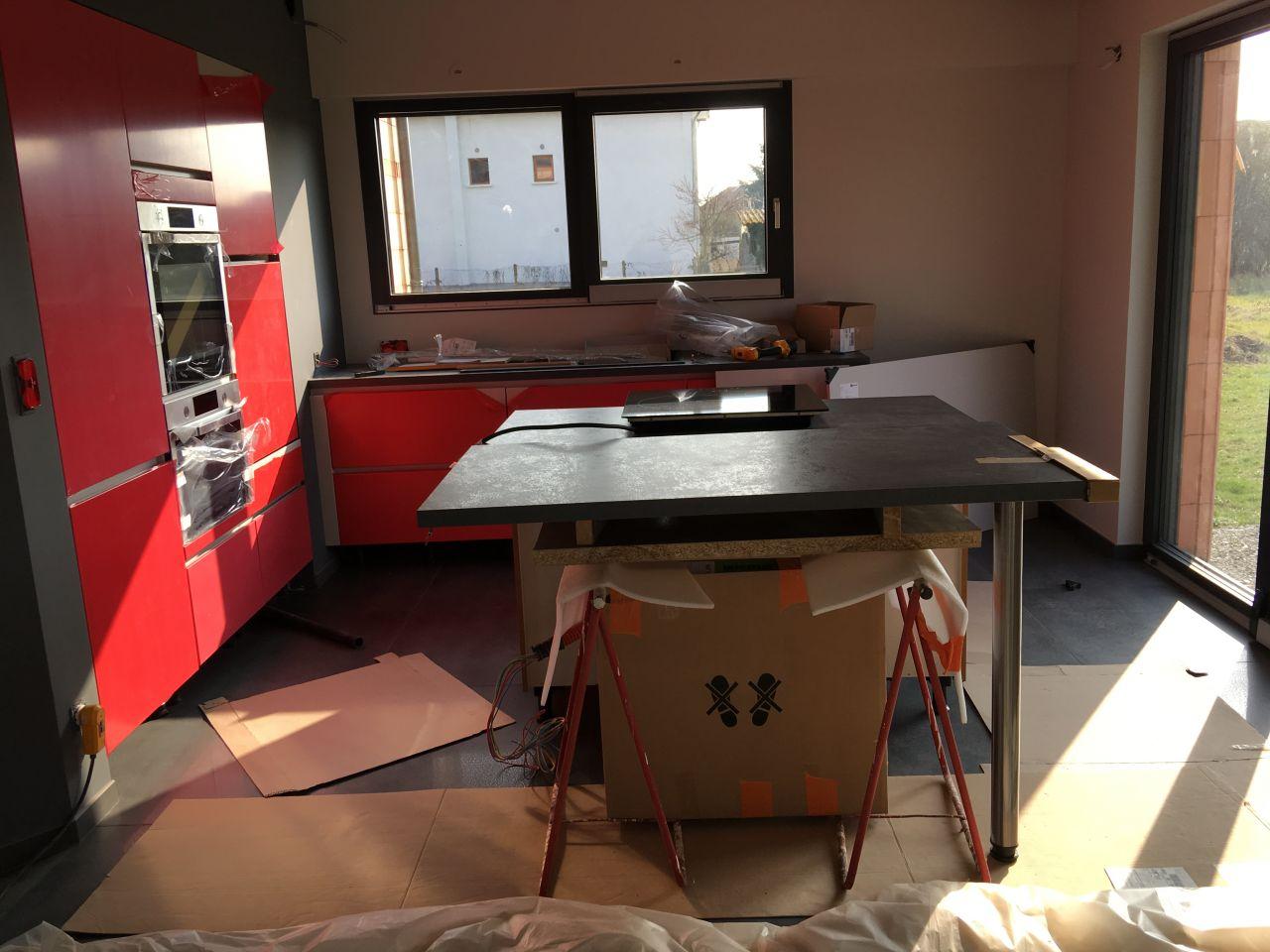 lustre la case de cousin paul on avance pose cuisine roanne loire. Black Bedroom Furniture Sets. Home Design Ideas