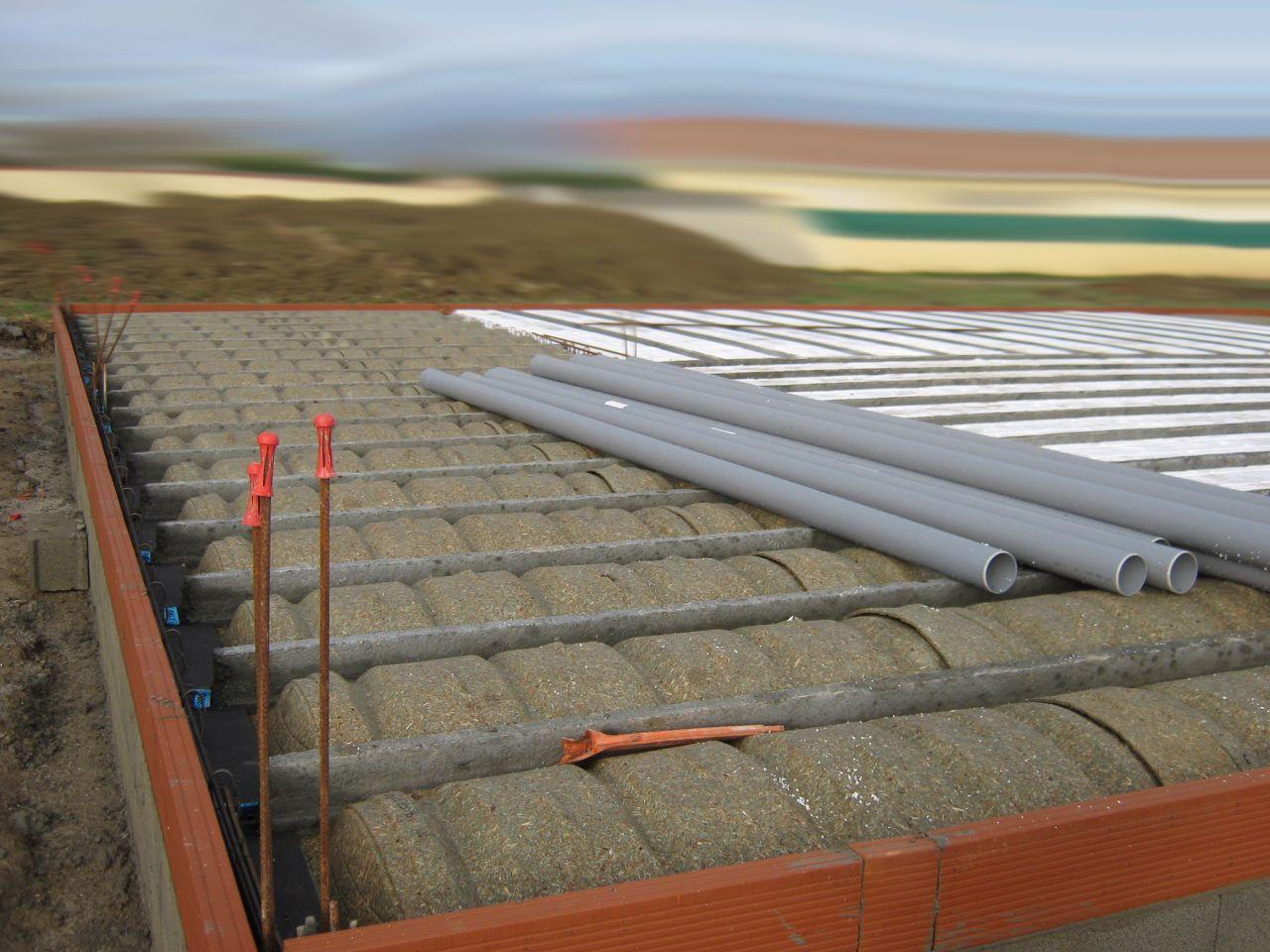 assemblage vide sanitaire hourdis polystyrène et bois compressé pour terrasses tuyaux d'évacuation