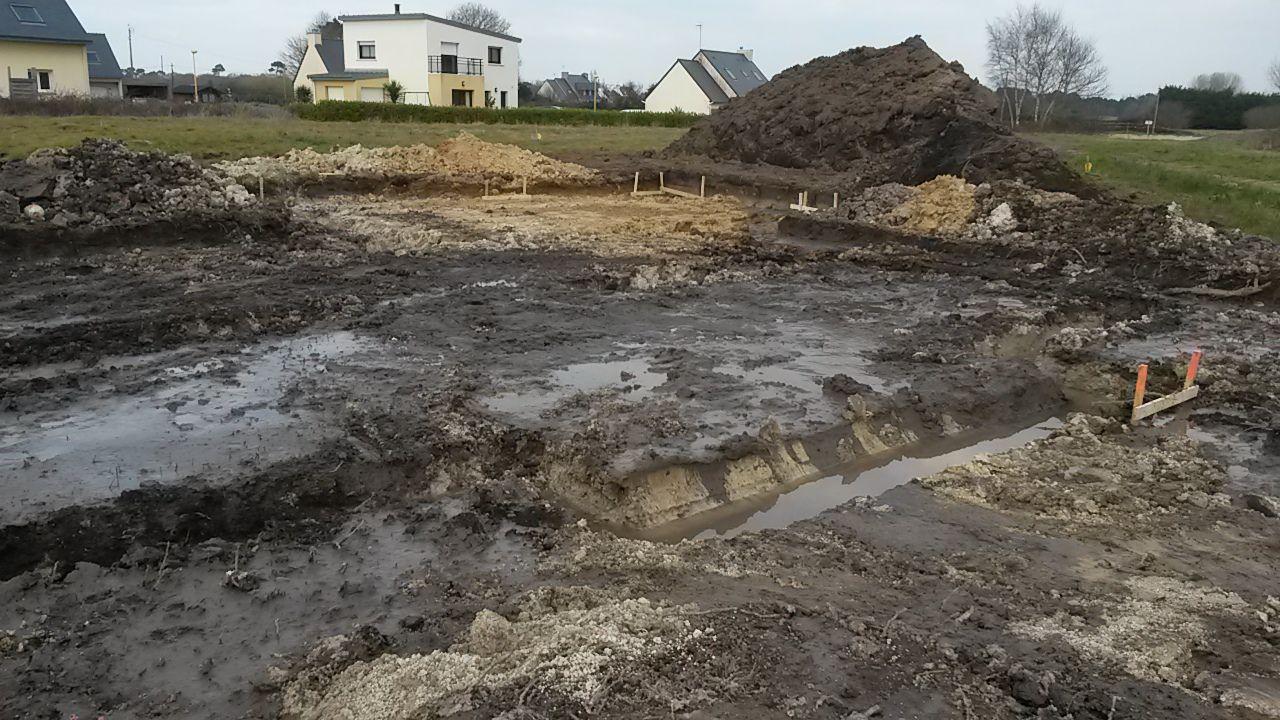 Terrassement terminé, les fondations vont pouvoir être coulées.