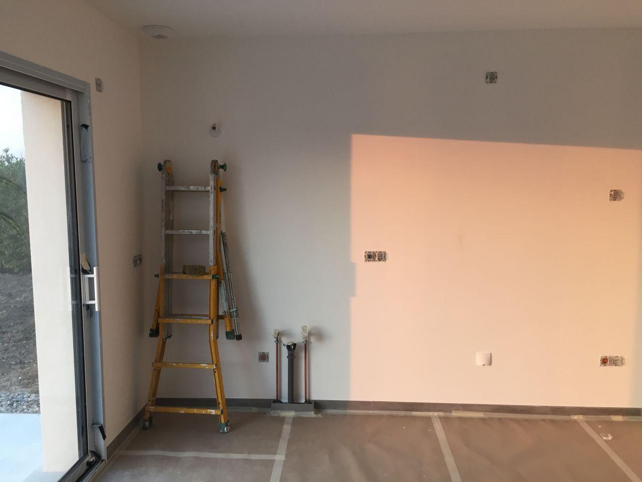 Avanc e carrelage et peinture peinture au sol v33 cuisine salle de bain dressing ca for Sous couche peinture carrelage orleans