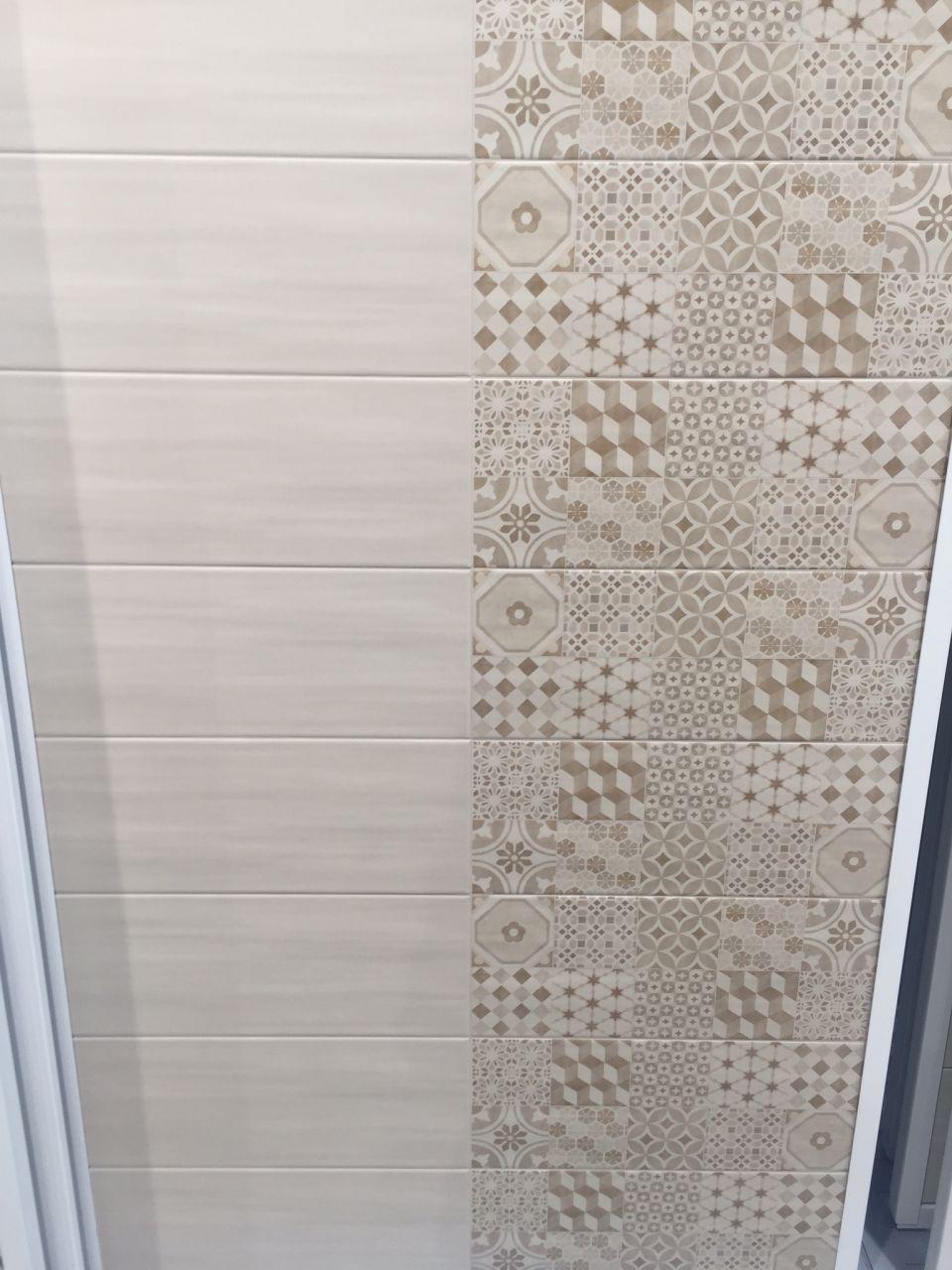 Parement pierres sur une partie du mur choix du for Pose carrelage mural douche