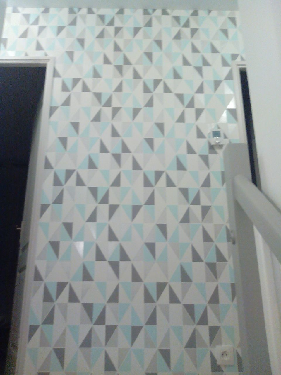 Peinture escalier papier peint couloir etage barcy seine et marne - Prix pose papier peint sans fourniture ...