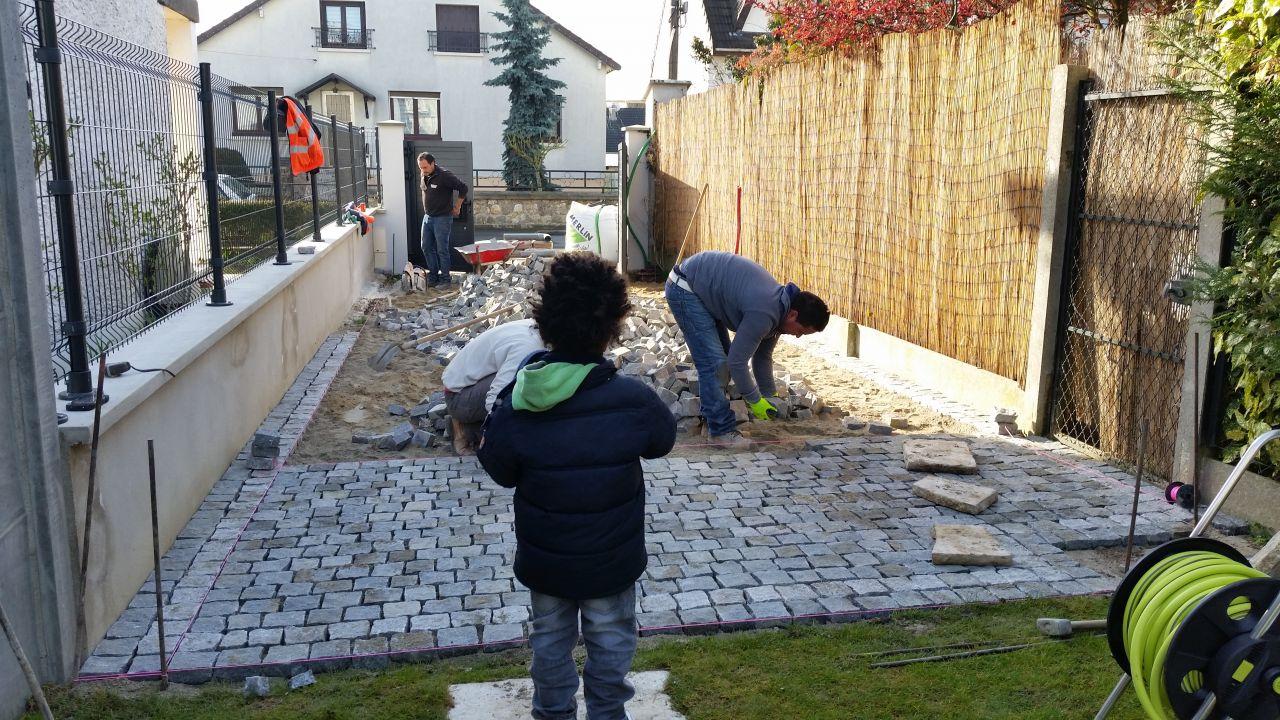 09 04 2016 pavage de notre all e en pav s granit gris fonc gagny seine saint denis - Construire une allee carrossable ...