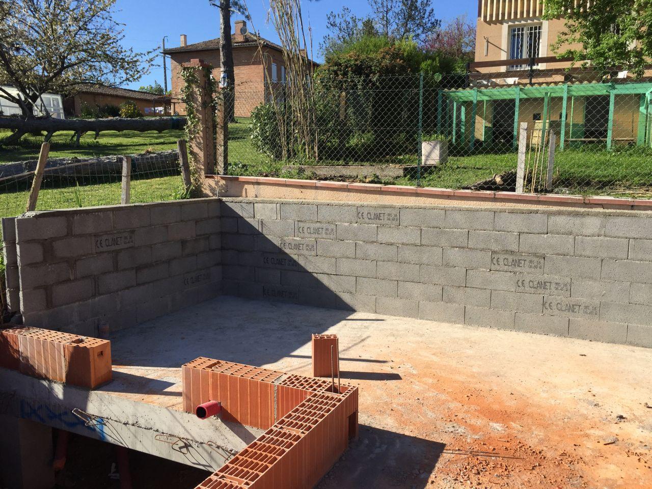 Photo mur du garage el vation des murs tage haute for Isoler les murs du garage