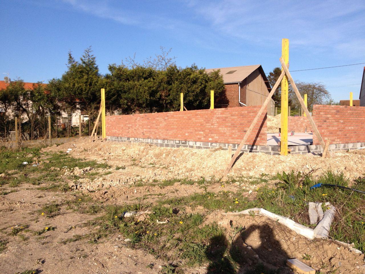 1ère semaine pour l'élévation des murs.