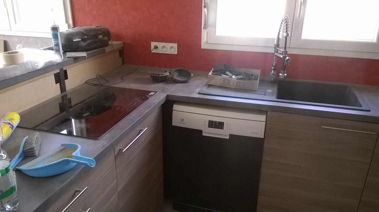 Pose evier cuisine evier de cuisine synthtique grand vier ardoise massif protection aluminium for Pose plan de travail cuisine