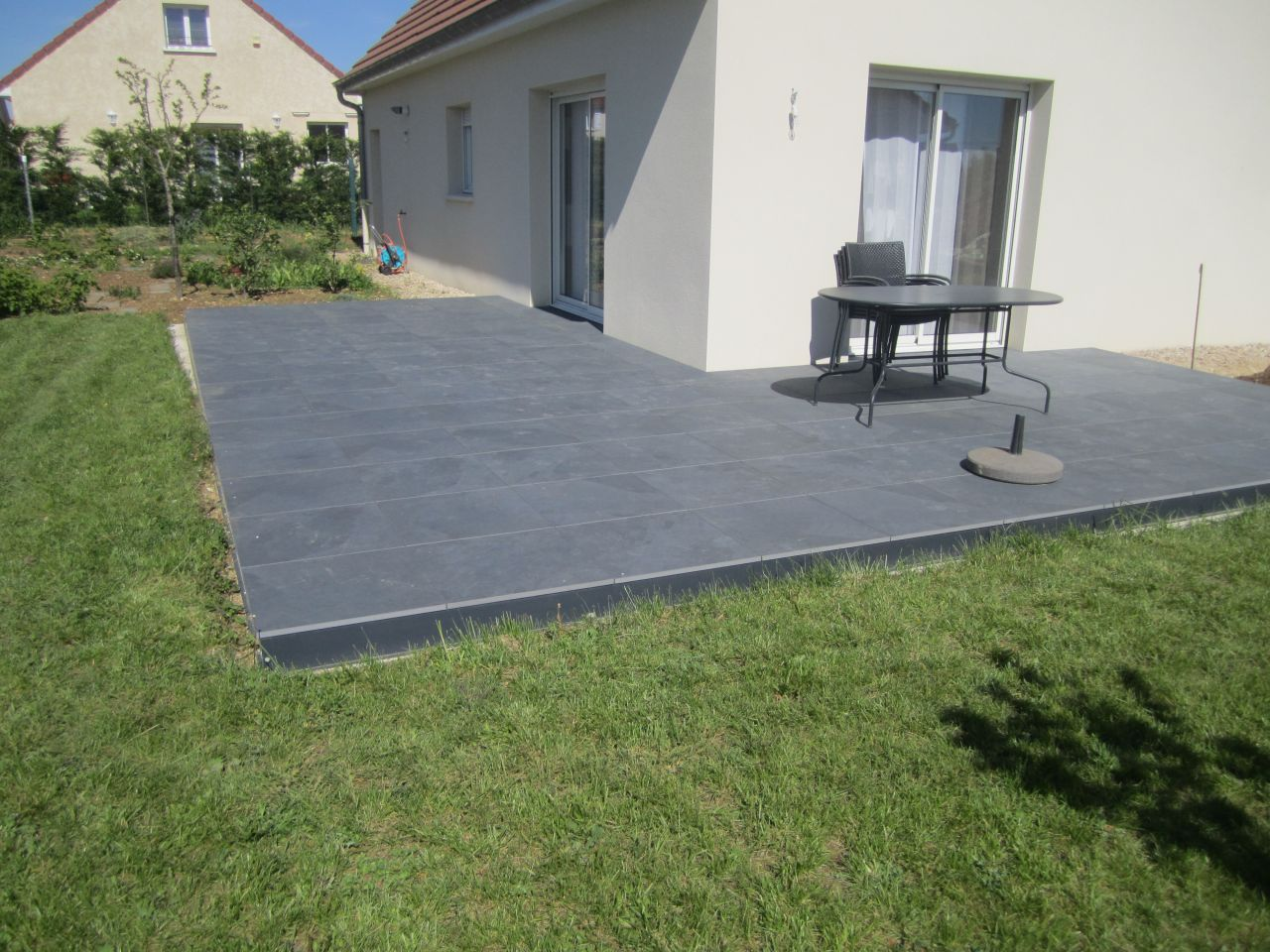 Pose dalles gr s c rame sur plots 136 messages page 2 for Pose de carrelage sur dalle beton