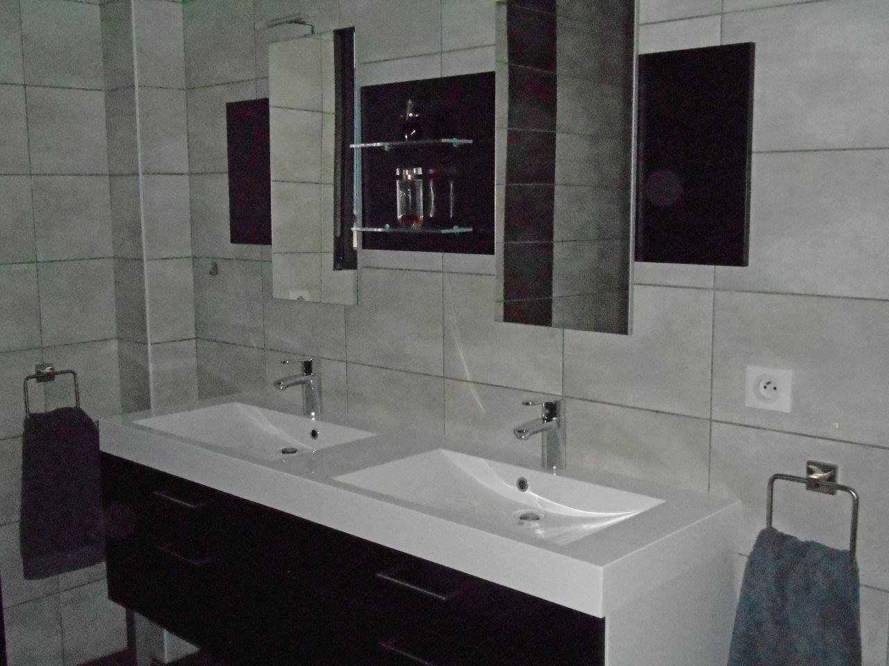 photo meuble de 160 cm avec double vasque d coration salle de bain salle d 39 eau haute. Black Bedroom Furniture Sets. Home Design Ideas