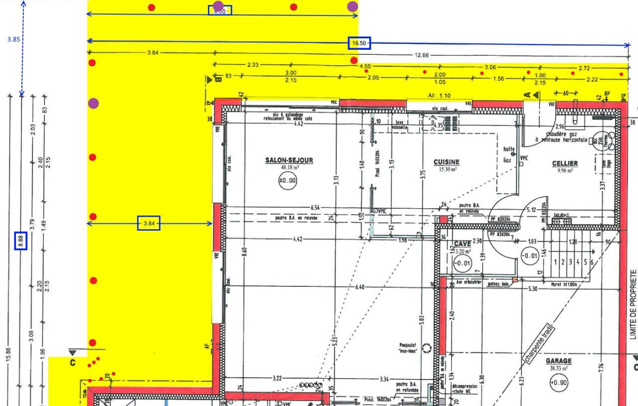 Emplacement des mâts des voiles d'ombrage (3 points violets), des mini-spots LED de balisage de couleur bleu (6 points rouges à l'arrière droit au bord du passage vers le cellier + 6 points au niveau du point C : contre-marches de l'escalier balancé) et enfin des spots d'éclairage LED de couleur blanc chaud 3000K (6 gros points rouges au bord des zones sud et ouest de la terrasse)