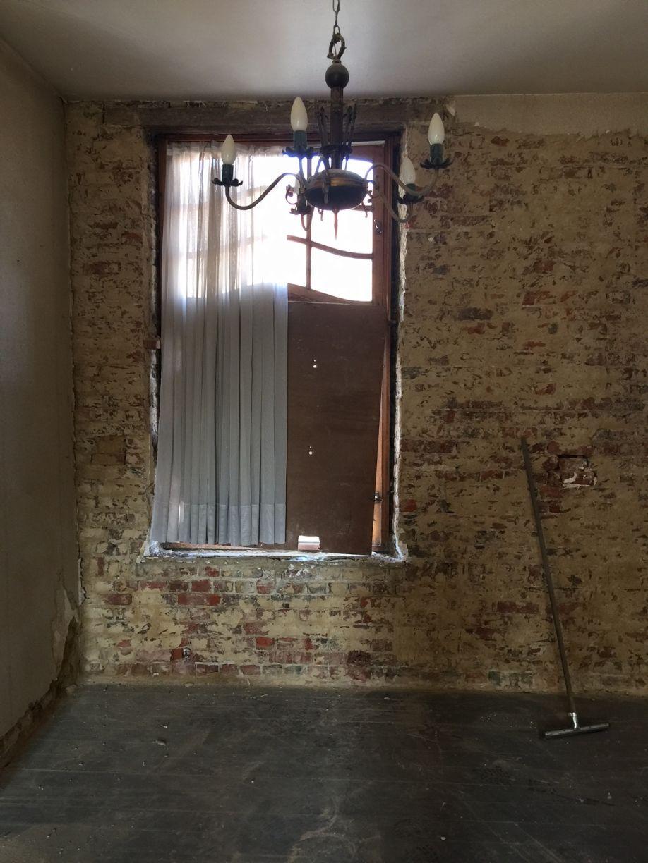 Mise à nu des murs de l'étage