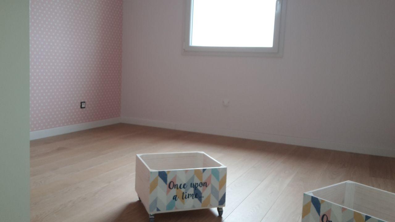 chambre enfant rose et blanc