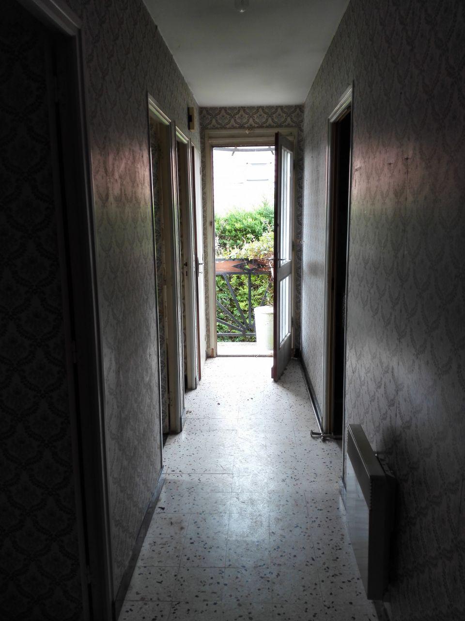 Le beau couloir qui desserre l'ensemble des pièces