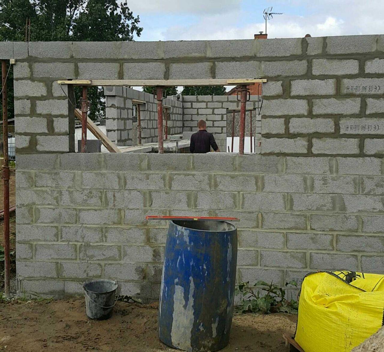 élévation des murs suite... et coulage de la dalle du garage