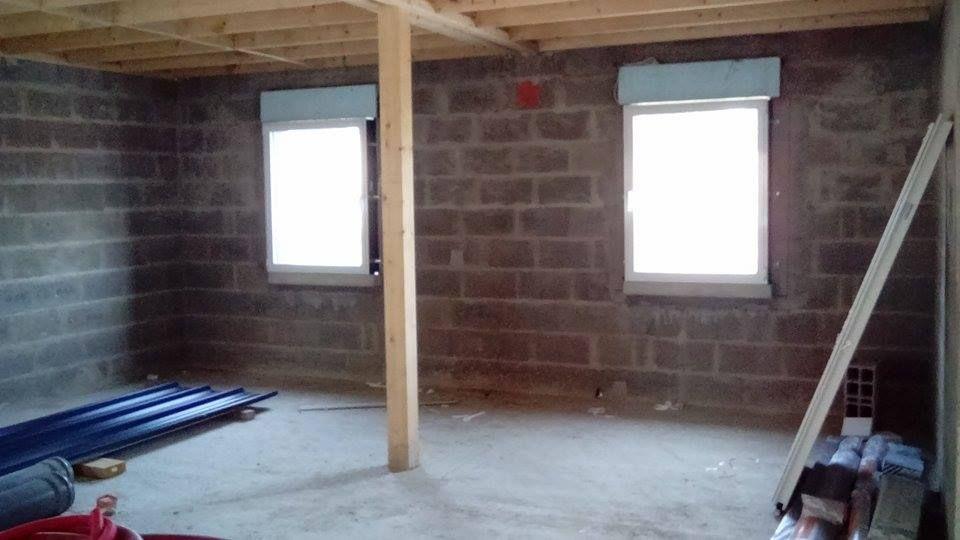 fenetre des chambres alu blanc intérieur et gris anthracite extérieur