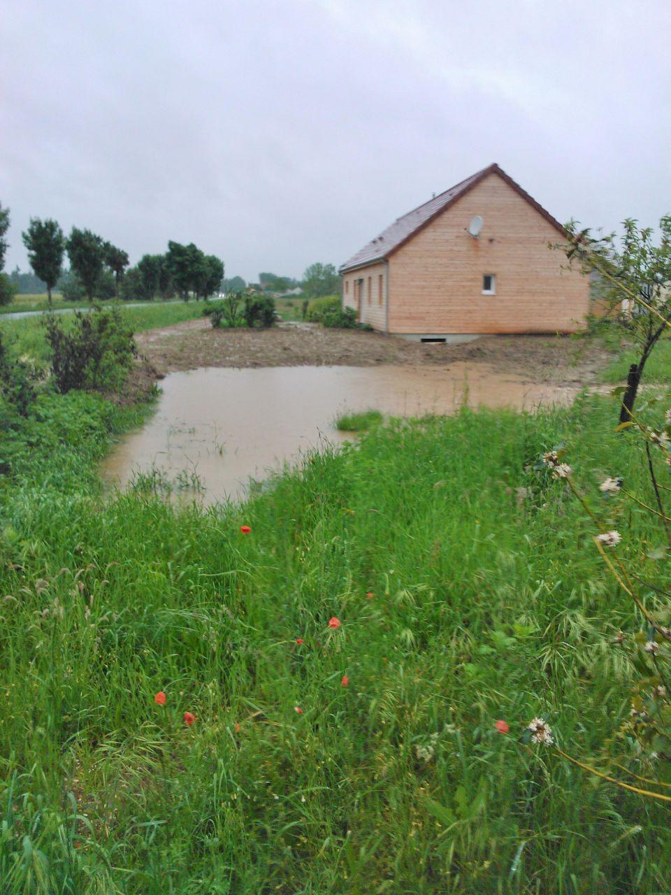 après plusieurs jours de pluie la terre n'a plus soif!