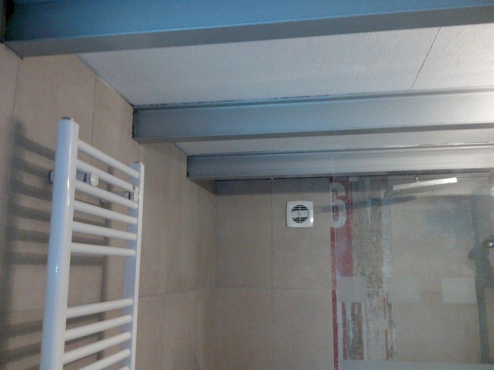 La SDB du mazet en version ''Argent martelé''pour les poutrelles et ''Blanc- blanc01'' pour le plafond