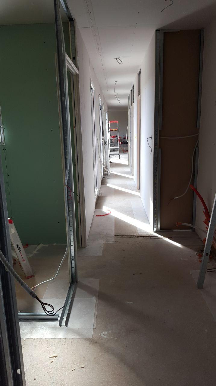 Placo plafonds placo plafonds avancement isolation for Cloison interieur placo