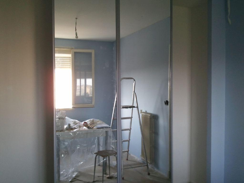 Faience cuisine peinture salon chambre peinture et for Peinture placard