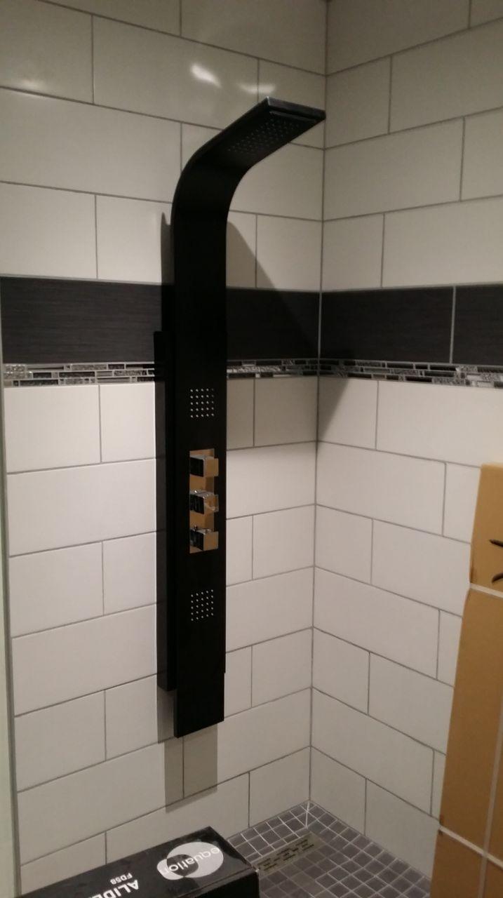 photo pose de la colonne de douche travaux de finitions seine maritime 76. Black Bedroom Furniture Sets. Home Design Ideas