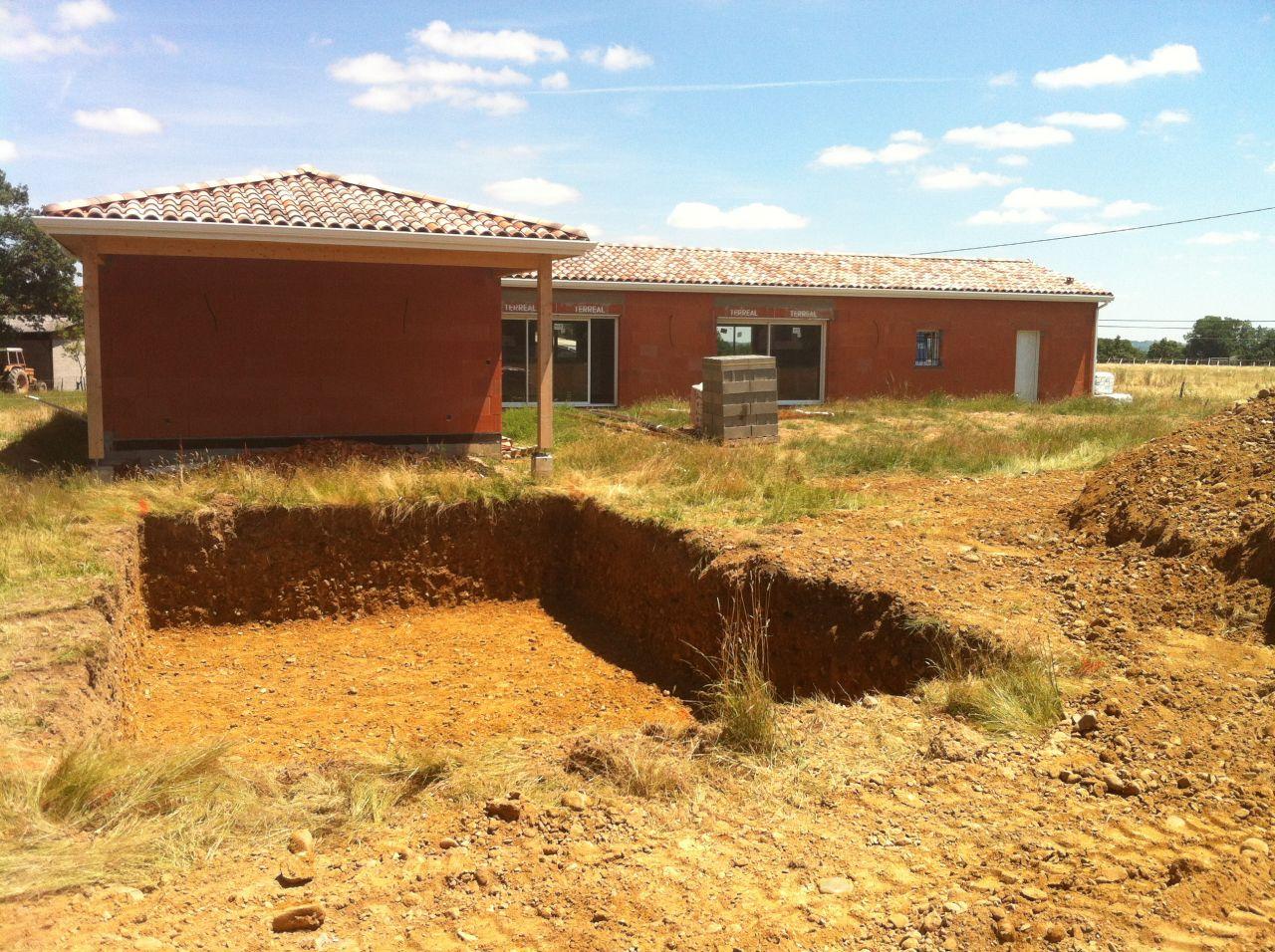 Fondations de la piscine creusées