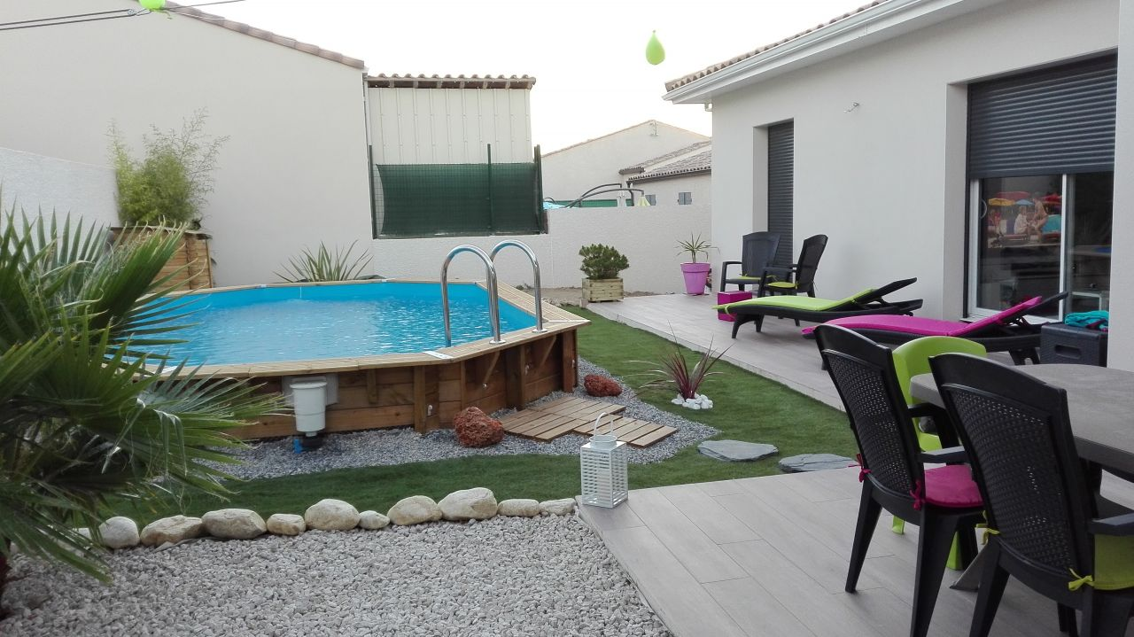 Amenagement terrasse piscine semi enterr e for Piscine bois semi enterree