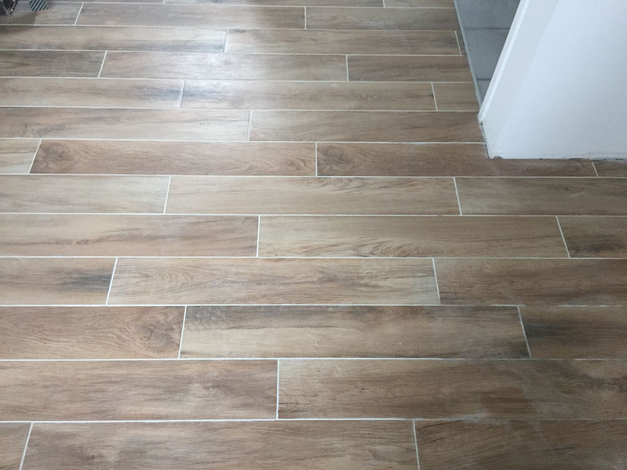 Photo maison carrelage imitation parquet for Parquet carrelage
