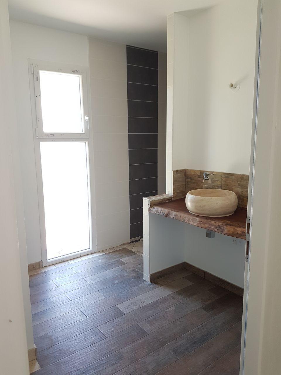 Terrasse suite r ception fin des gros travaux avant for Quel prix pour refaire une salle de bain